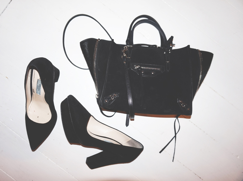 prada-shoes_balenciga-bag_4