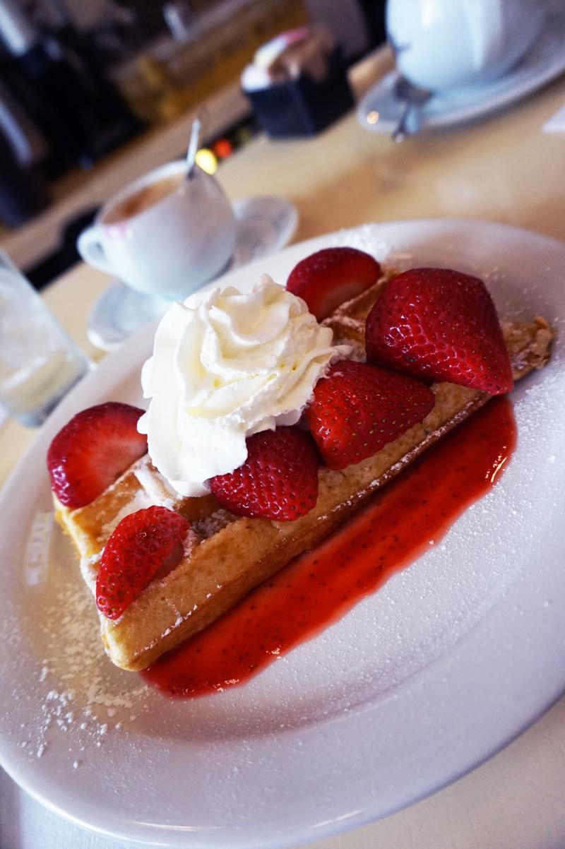 new-york_brunch-waffle