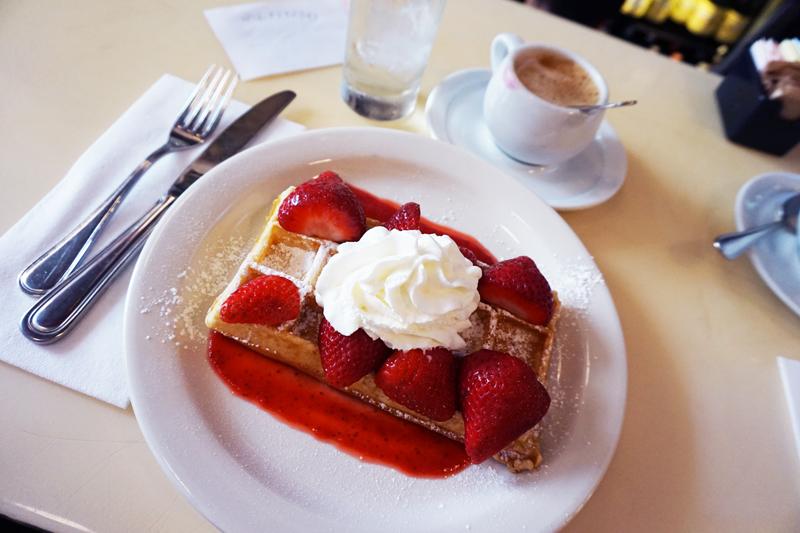 new-york_brunch-waffle_1